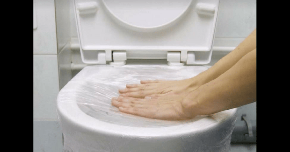 6 genius (and easy) ways to unclog your toilet without a plunger
